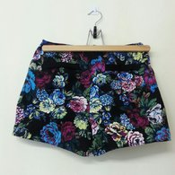 Shorts_hanger_listing