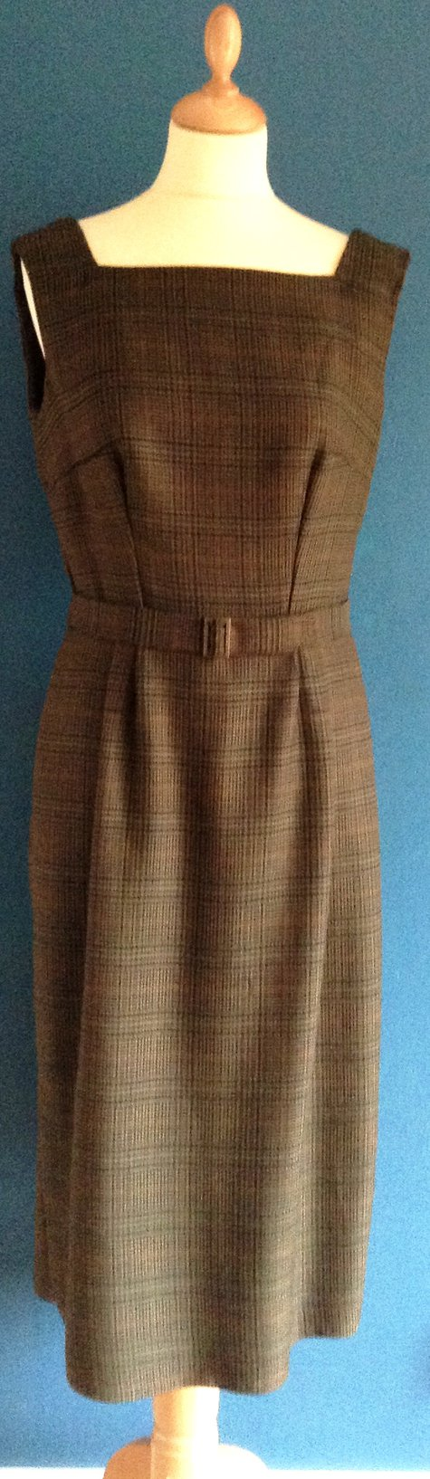 Brown_dress_pics_021_large