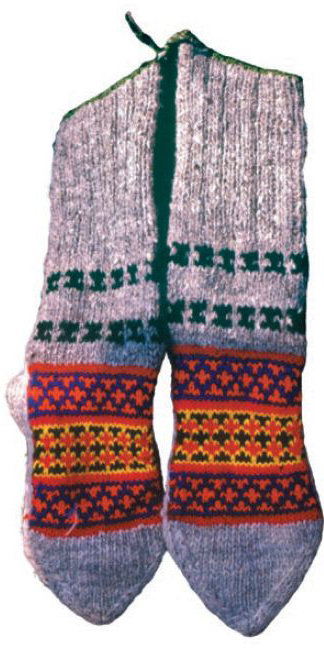 Hand_knitted_socks_large