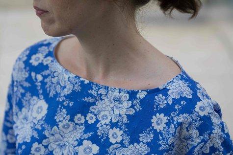 Floral_simplicity_1366_neckline_large