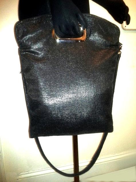 Shoppertote_blacksparkle_cutouthandle_front1_large