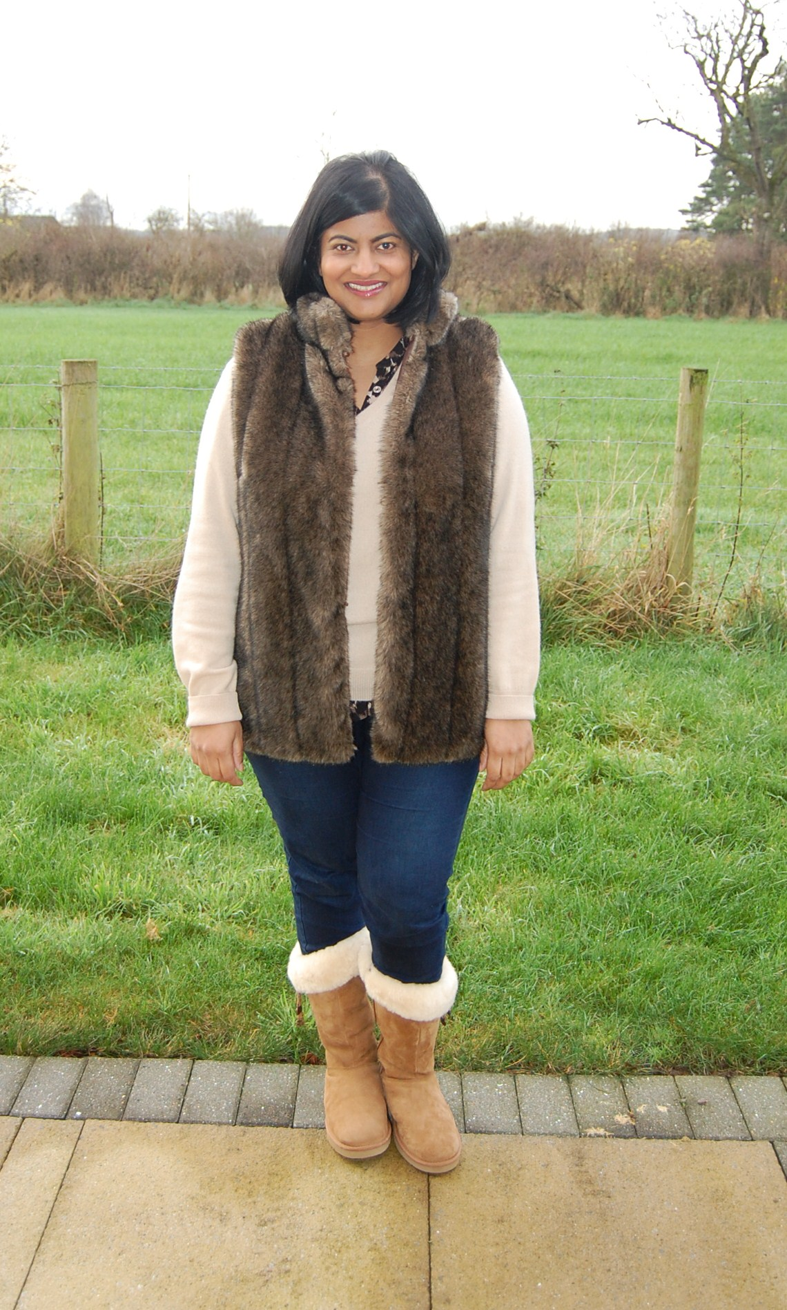Queenfur Real Knitted Rabbit Fur Vest Fashion Natural Fur Gilet Winter Waistcoat See more like this. New Listing Mint Velvet Faux Fur Gilet Size Pre-Owned. $ Time left 6d 2h left. 0 bids. From United Kingdom. or Best Offer. Customs services and international tracking provided +$ shipping.