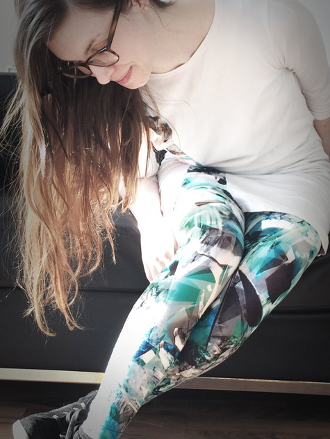 Roxie_leggings02_large