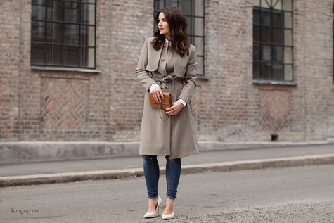 Hungup_draped_trenchcoat_01_large