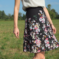 Ladulsatina_diy-wedding-outfit_self-drafted-skirt_flower_front_listing