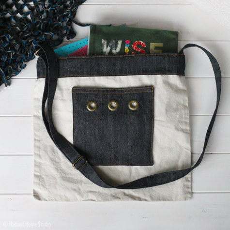Denim_and_grommet_tote_bag-37_large