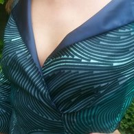 Vlisco_dress_neckline_2_listing
