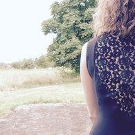 Robe_noire_dentelle_chez_louise2_listing