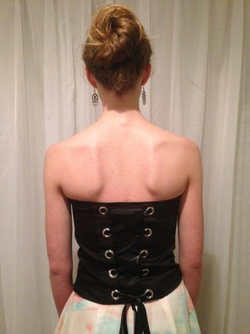 Bustier_back_large