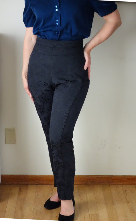 High_waist_pants_front_large