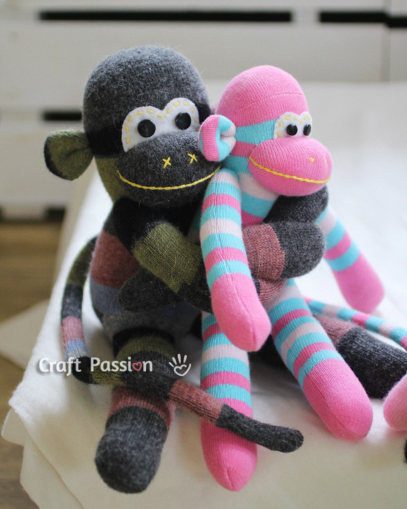 Sock-monkey-hug-2_large