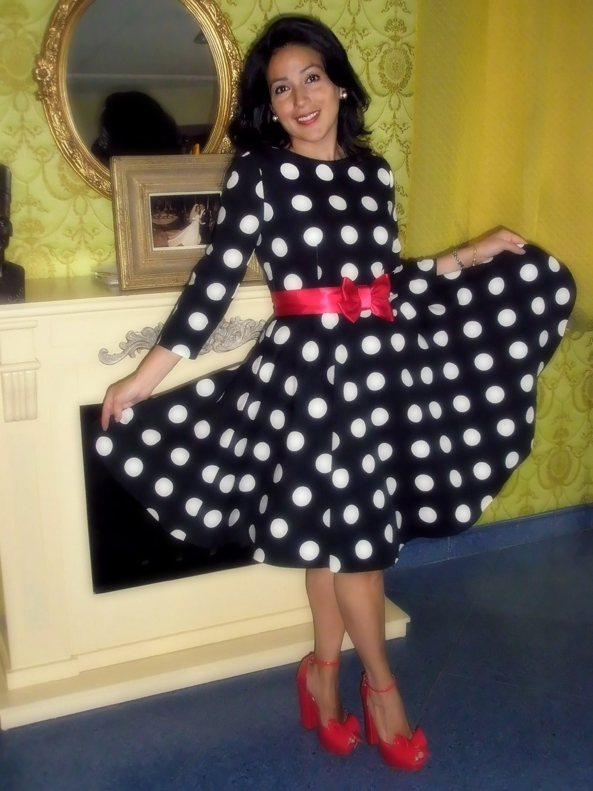 Mad Men polka dots fifites inspired swing dress with